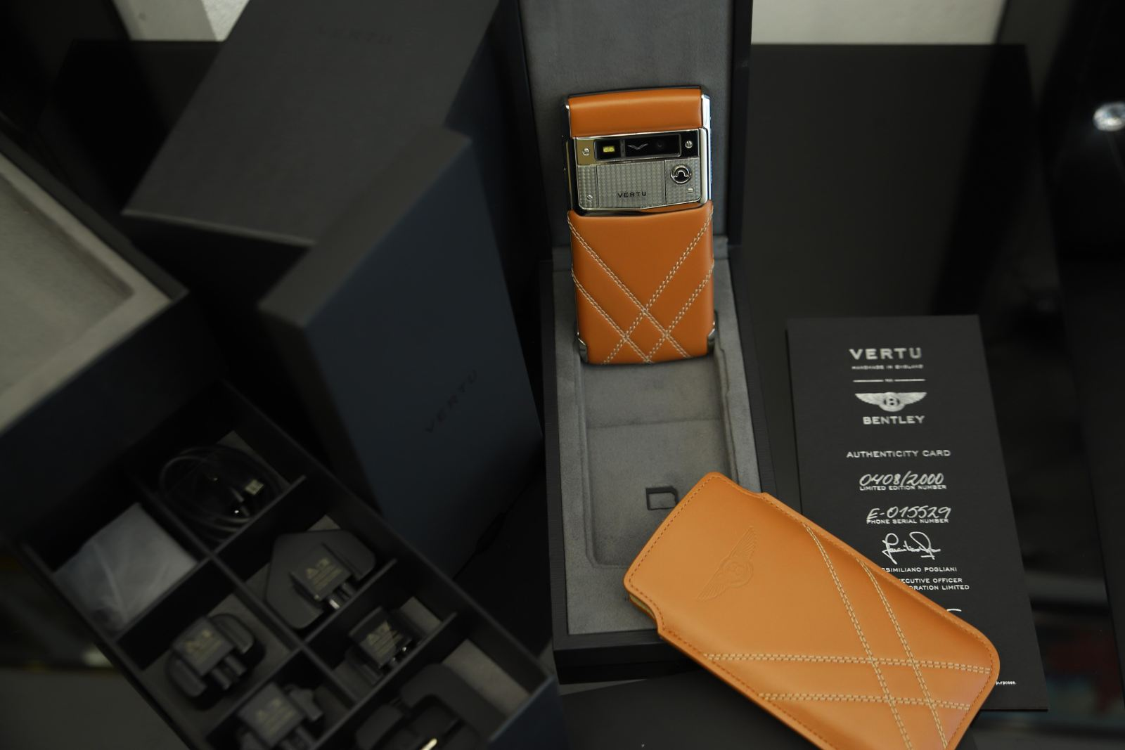 Vertu Signature Touch Bentley limited edition